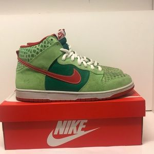 Nike SB Dunk Dr. Feelgood